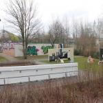 Vorschaubild Legal Plains SPIKE, Ansicht von der Karl-Laux-Strasse aus, hinter der Turnhalle