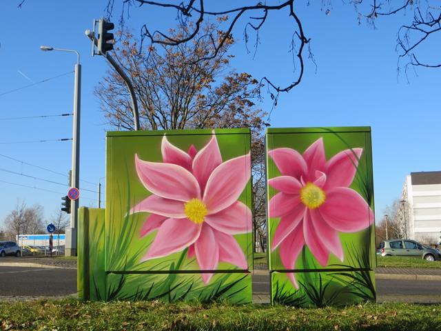 Rückseite: 2 Rosafarbenen Blumen