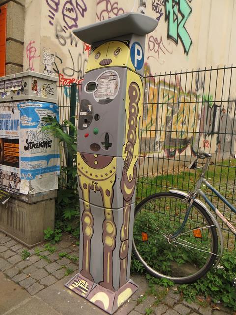 Parkautomat an der Görlitzer Straße neben Eva's Pizza