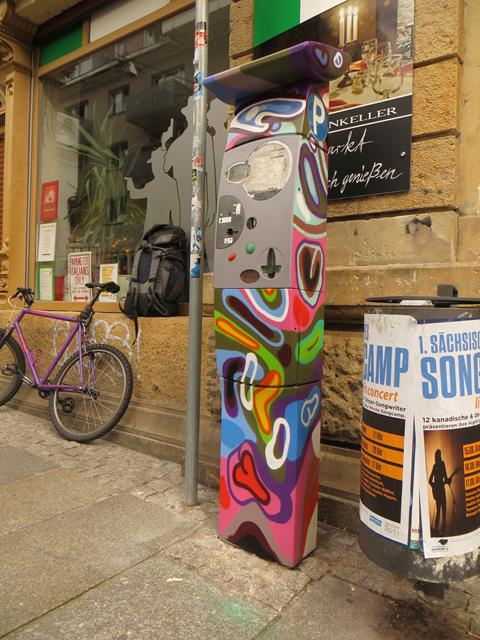 Parkautomat an der Alaunstraße am Al Carpone