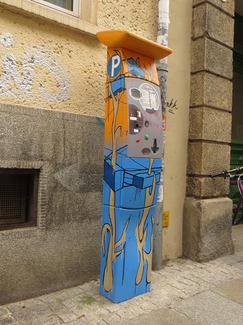 Parkautomat an der Alaunstraße 76