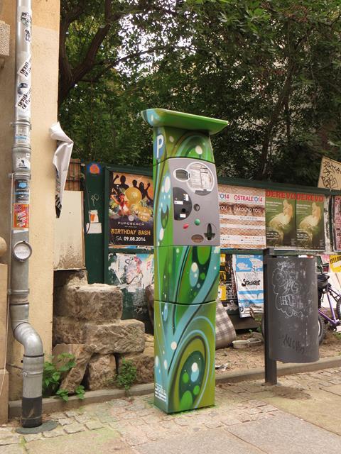 Parkautomat an der Alaunstraße 96
